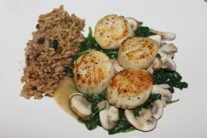 Sautéed scallops with mushrooms & spinach